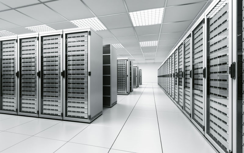 Img_51614_critical-data-centre-at-uni-of-hertfordshire_By_Wikieditor243_CC-BY-SA-3.0_via_Wikimedia_Commons.jpeg