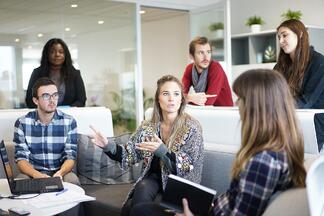 The Yes, Sir! Mentality: 4 Strategies to Fight Groupthink in your Organization - Featured Image